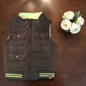 EUC Genuine Kids from Oshkosh Camo Full Zip Vest